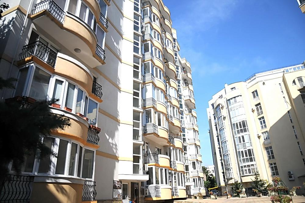 Apartment building on 39B, Eminescu street