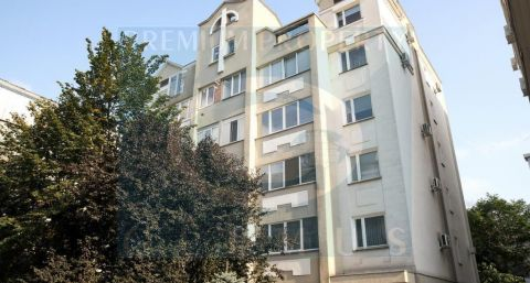 Apartment building on 48/1 Eminescu street.