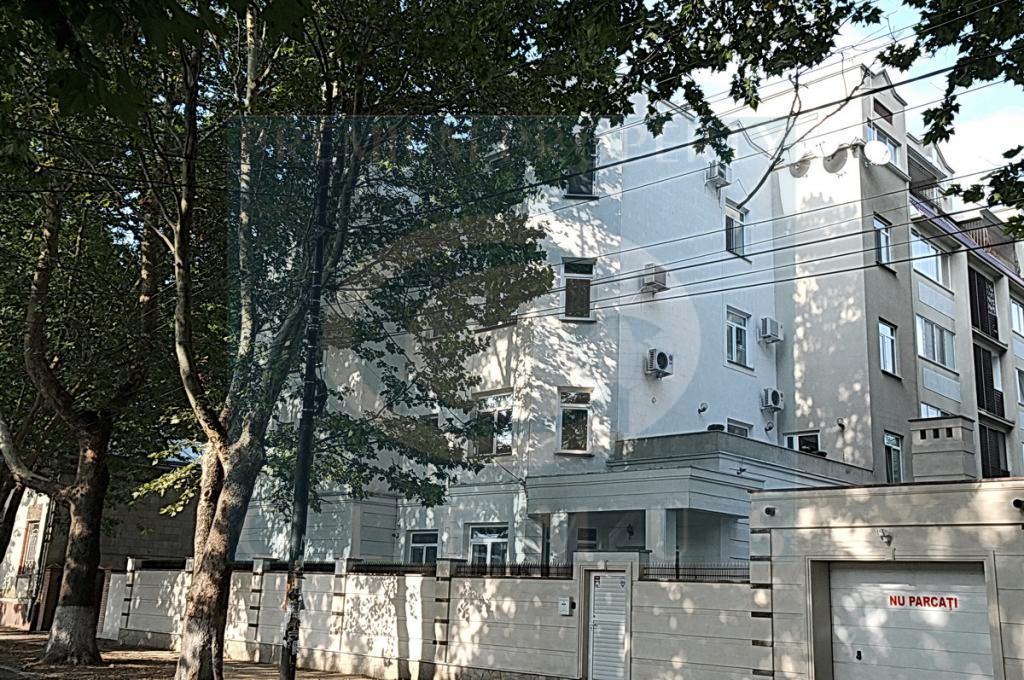Жилой дом по ул. 31 August 66.