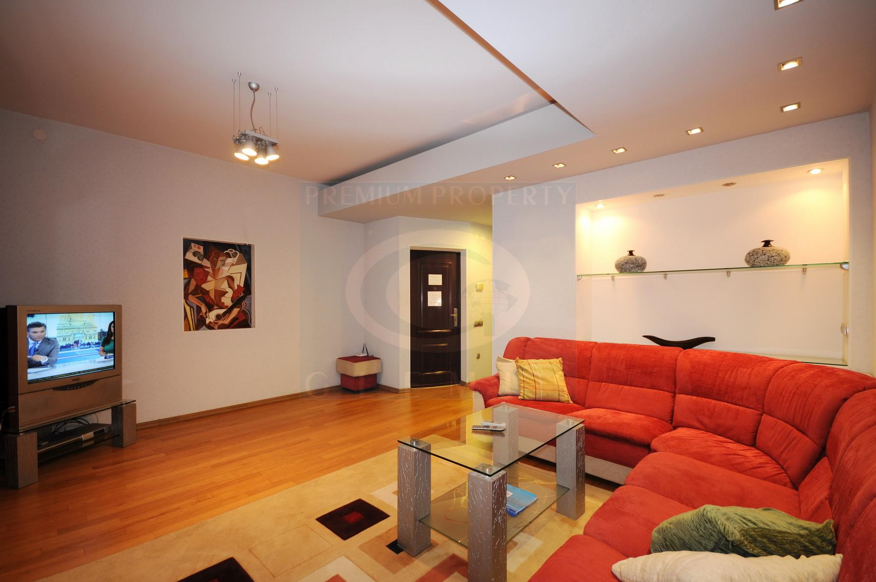 Modern apartment near Sky Tower busines center