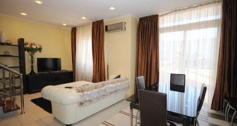 Luxury duplex apartment in Crown Plaza