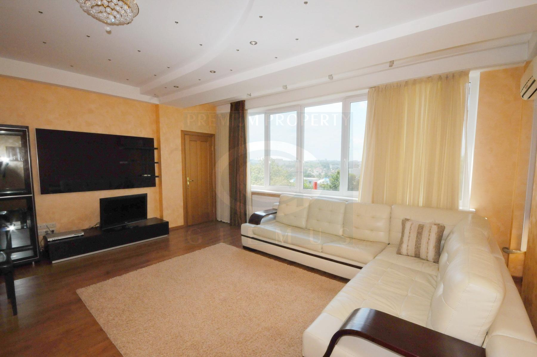 Spacious apartment next to Ecosport Gym