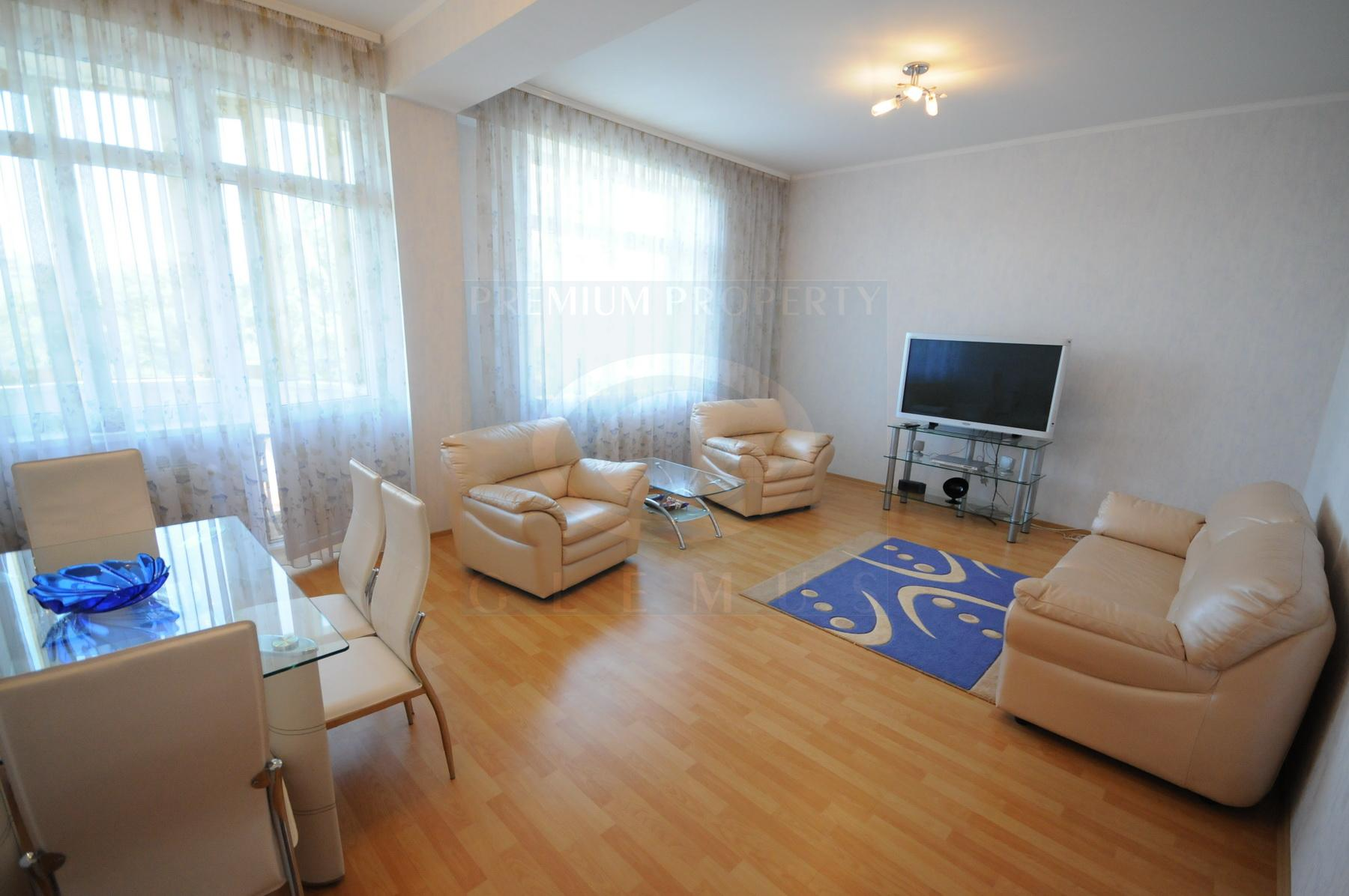 Unfurnished two-bedroom apartment in Lara City