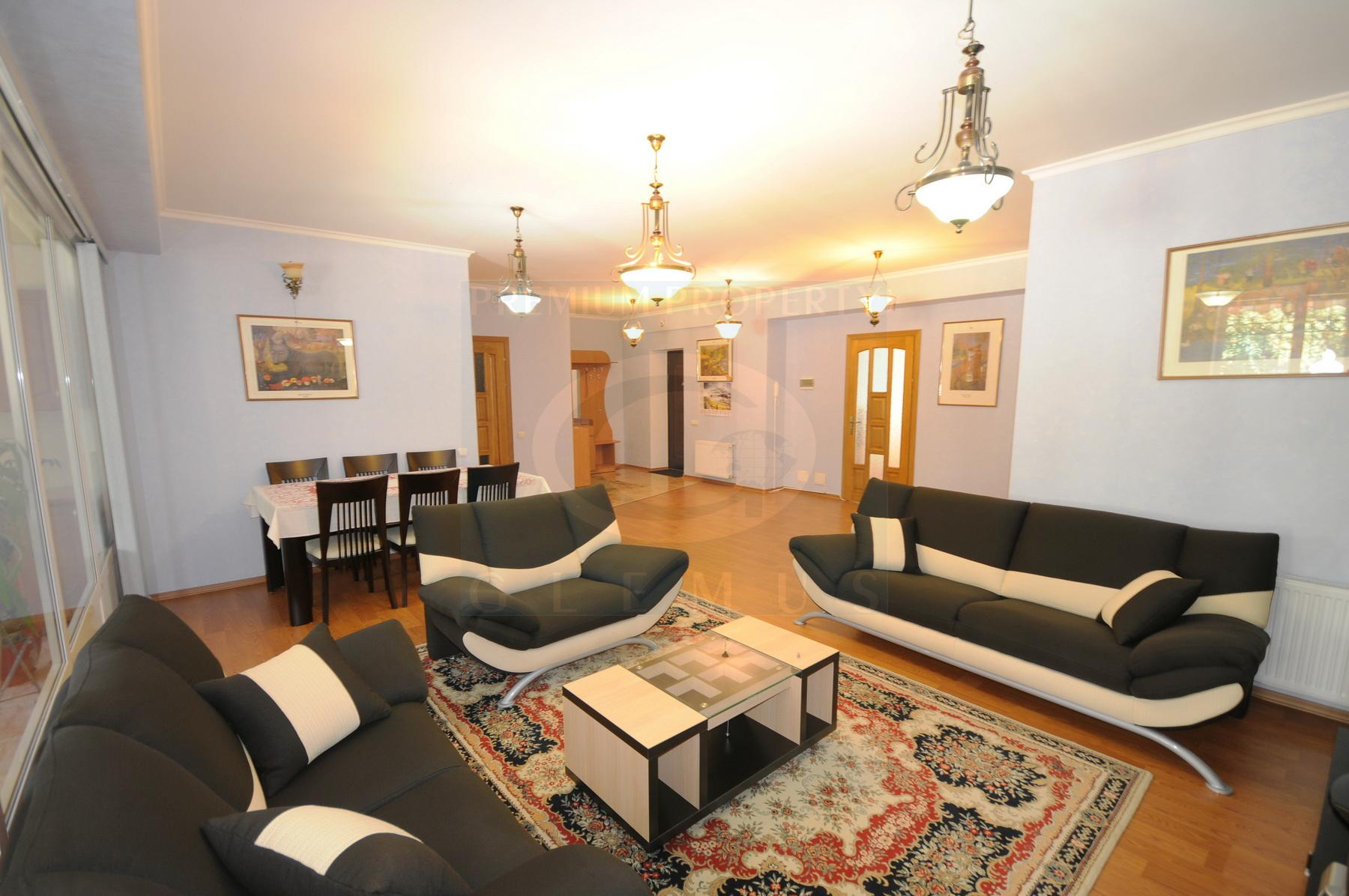 Apartment with a terrace near Enescu theater.