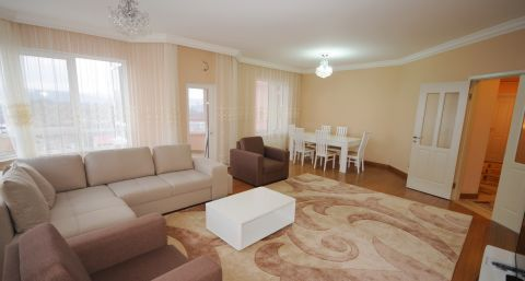 Spacious property with a nice view over the city