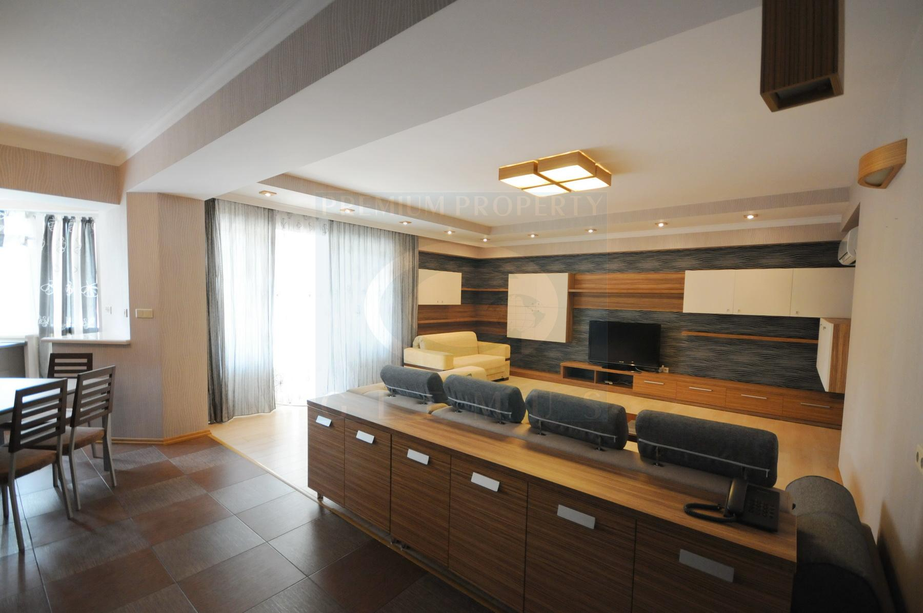 Spacious and modern apartment near Eminescu theatre.