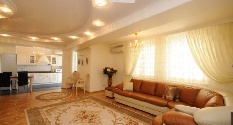 Luxury 2BDR in the heart of the city