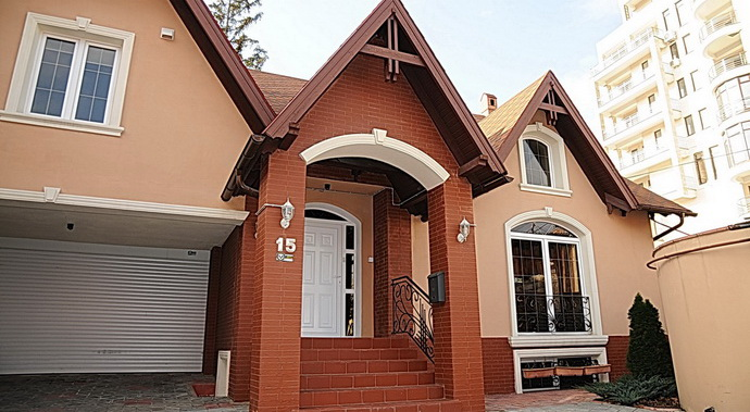 3BDR house on Kogalniceanu